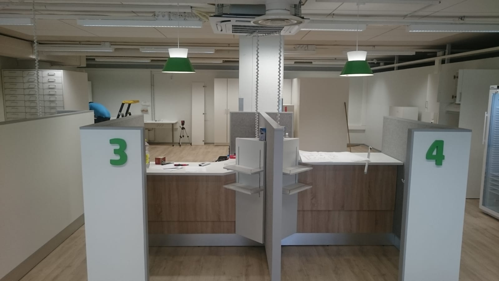 asennus_parkanossa_apteekkisuunnittelu_vmp-interior.jpg